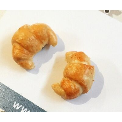 Croissant polymer clay stud earrings - French bakery - croissant studs - earring