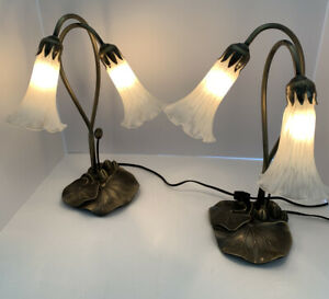 Set-Of-2-Vtg-American-Lighting-Table-Desk-Lamps-Goose-Neck-Lily-Pad-Metal-Base