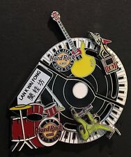 Hard Rock Cafe *HONG KONG* KUNG FU  2012 (2) LOT PUZZLE GUITAR  PINS MINT LIM ED