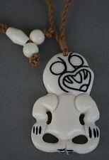 Maori Bone Carving  Hei Tiki  Neuseeland