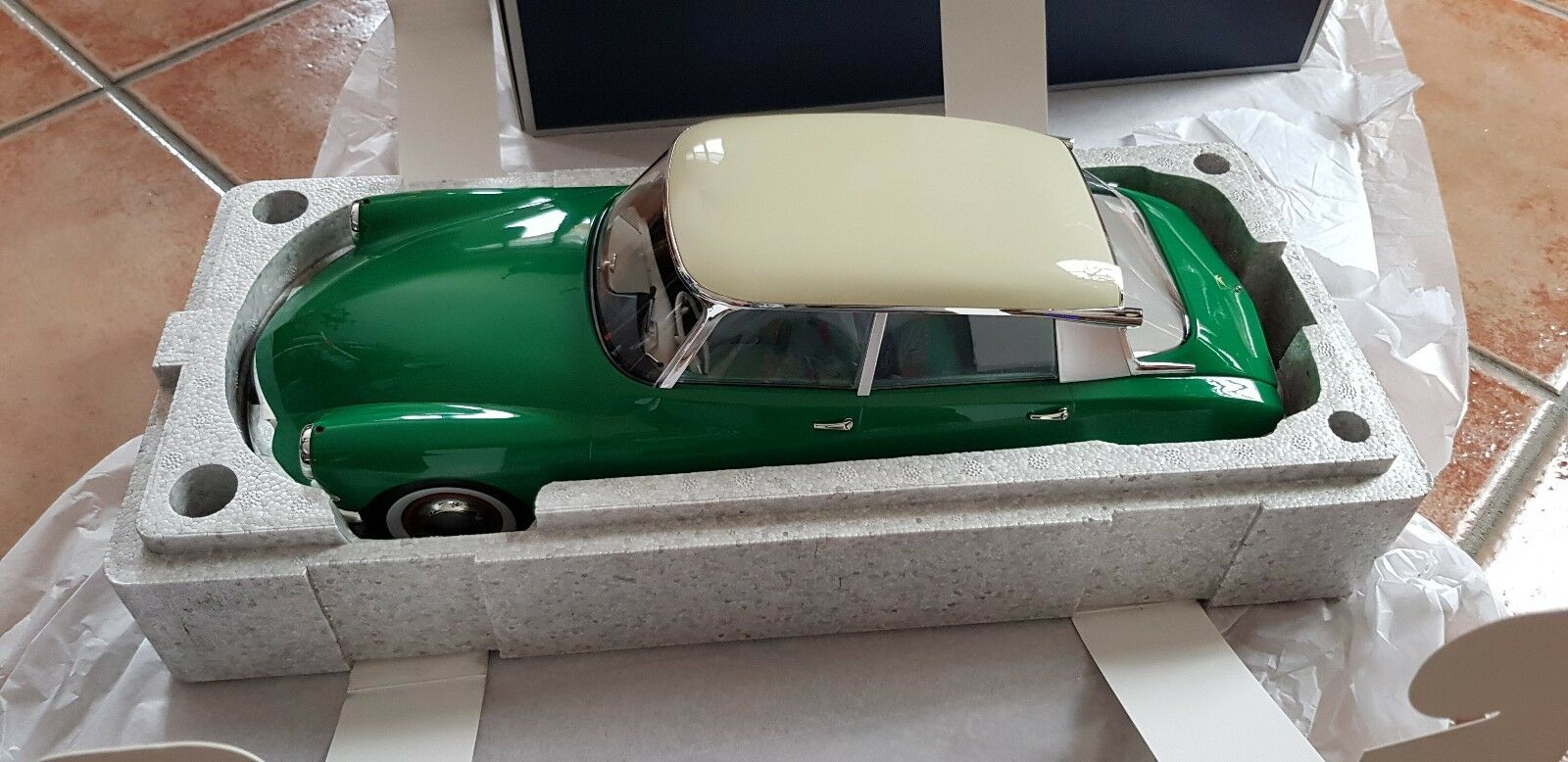 1 12 Citroën DS 19 1956 vert & Champagne NOREV NEUVE
