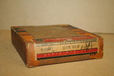 Valve guides 8028447 EMD Cleveland Diesel box of 4 Unused
