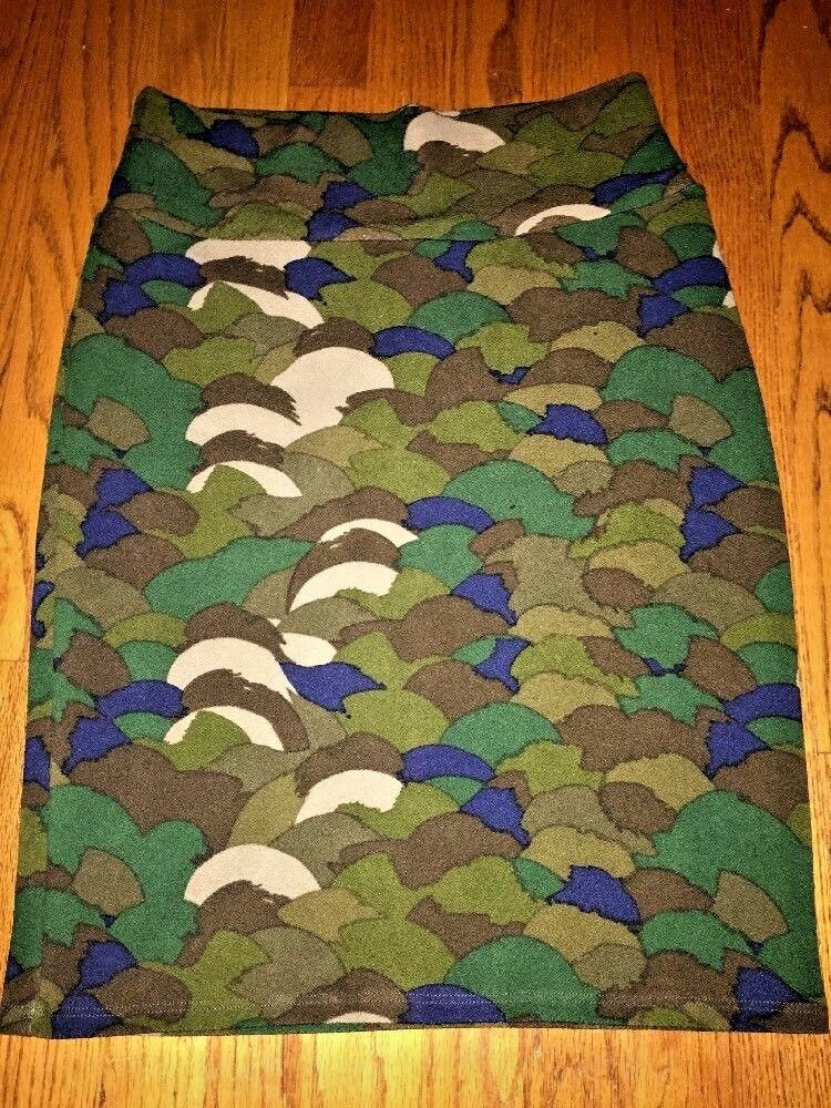 LULAROE CASSIE WOMENS CAMOUFLAGE  FALL TRENDY SKIRT SIZE LARGE