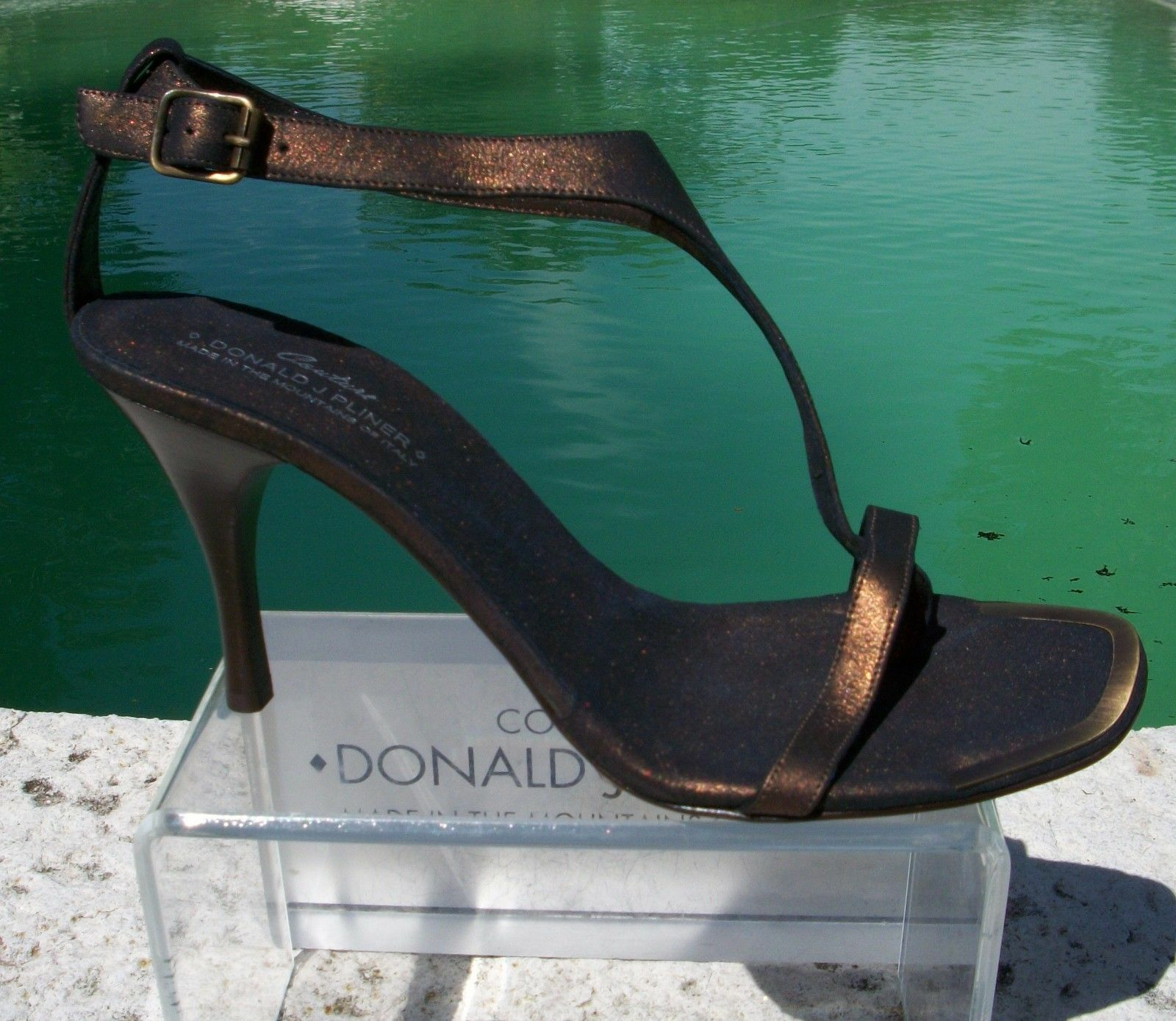 Donald Pliner Couture Metallic Leather shoes New T-Strap Sandal NANY 10  255 NIB