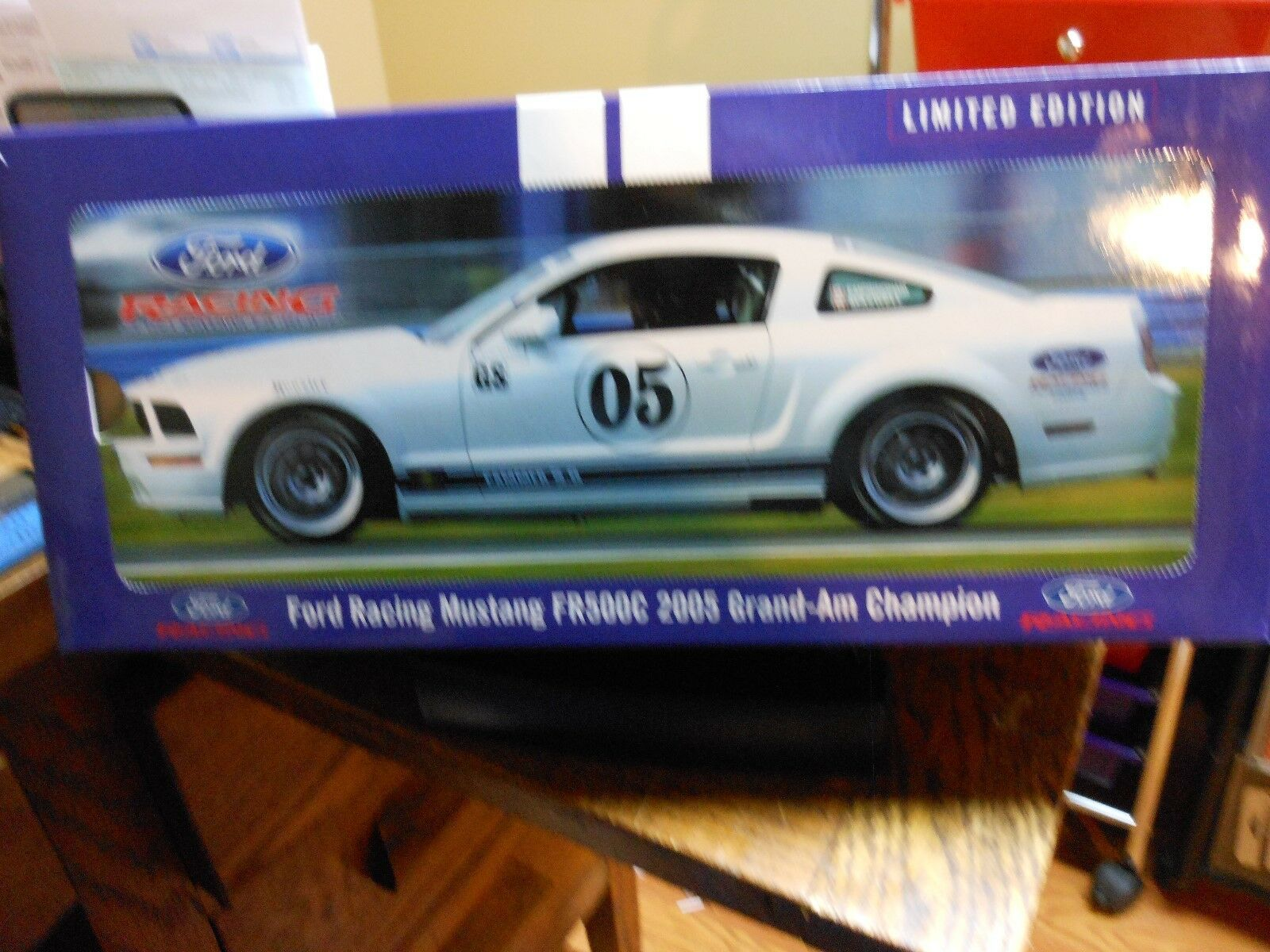2005 FORD RACING MUSTANG FR 500C GRAND-AM CHAMPION  BY AUTO ART--1 18 SCALE-NEW