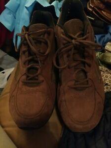 Reebok DMX MAX Shoes BROWN Moving Air