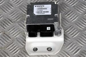 Volvo V40 R-Design pedestrian protection ECU / module P31406938