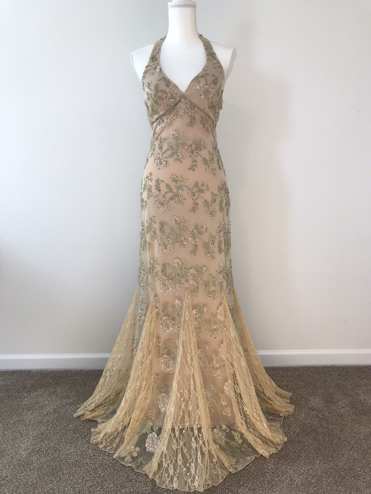 New Sue Wong Size 4 Champagne Hand Beaded Gown And Shawl.