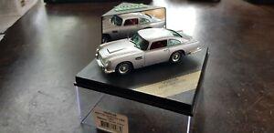 Aston-MARTIN-DB5-in-argento-metallizzato-grigio-SCALA-1-43-da-Vitesse-1963-in-scatola