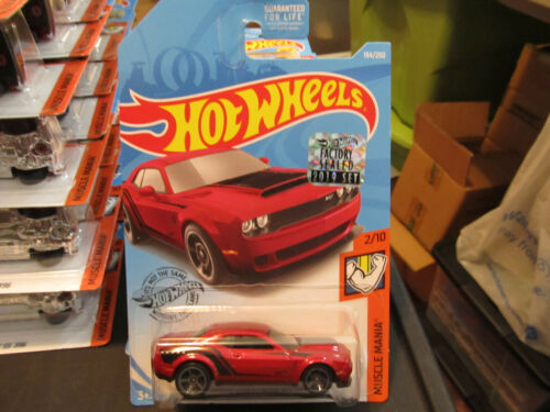 2019 Hot Wheels Factory Sealed Muscle Mania 18 Dodge Challenger SRT Demon Red