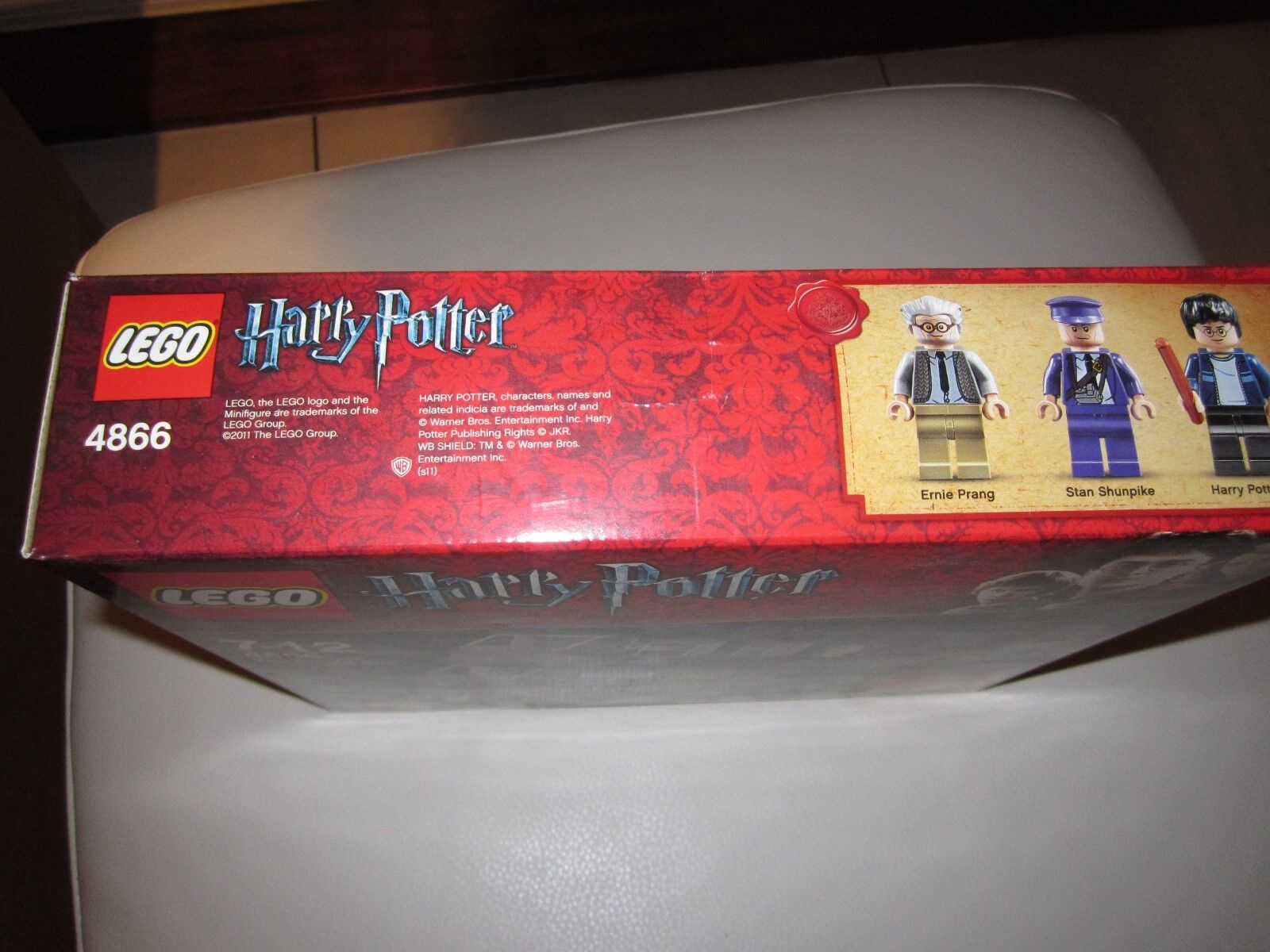 LEGO HARRY POTTER KNIGHT BUS 4866- SLIGHT CREASING TO TO TO BOX - NEW BOXED SEALED 20a72a