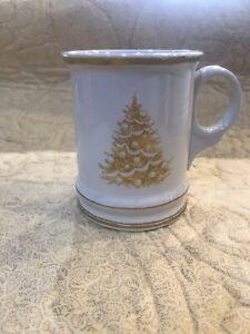 WILLIAMS-SONOMA-GOLD-FILIGREE-CHRISTMAS-TREE-MUG
