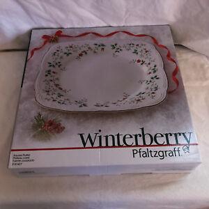 New-still-in-the-box-Pfaltzgraff-Winterberry-square-platter