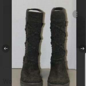 Ugg Australia Classic Cardy Grey Knit Boots Womens Size 7 Excellent