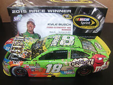 2016 issue Kyle Busch 2015 M&M's Crispy Homestead WIN 1/24 NASCAR w/ Confetti