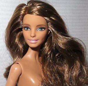 Nude brunette green eyes