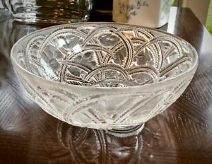 Lalique-Pinsons-Bowl-Finches-in-Foliage-9-25-034-Mint-Signed-amp-Guaranteed-Authentic