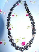 PRETTY GENUINE HEMATITE STONE NECKLACE WITH FLORAL SPACER BEADS 471A11