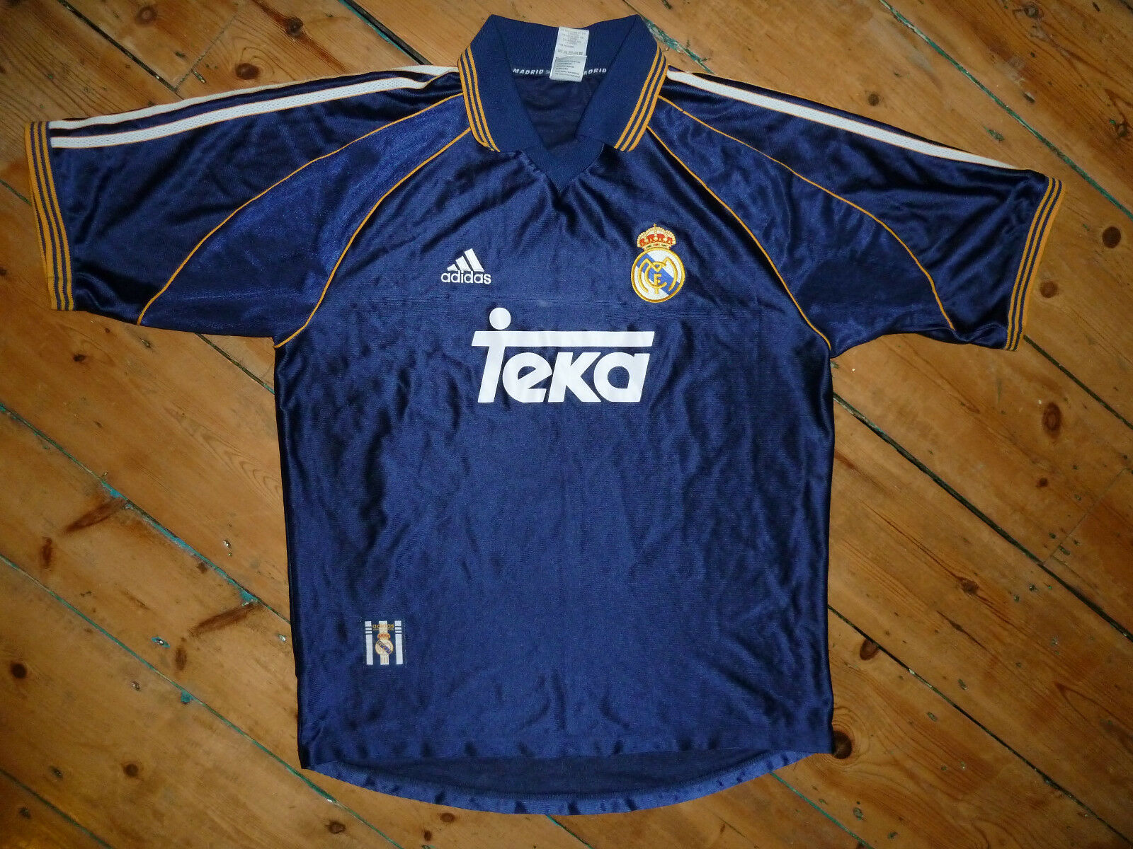 d5ee62099 Large REAL MADRID SHIRT 1998 Away 3rd FOOTBALL JERSEY SPAIN LA LIGA Raul  Era Top