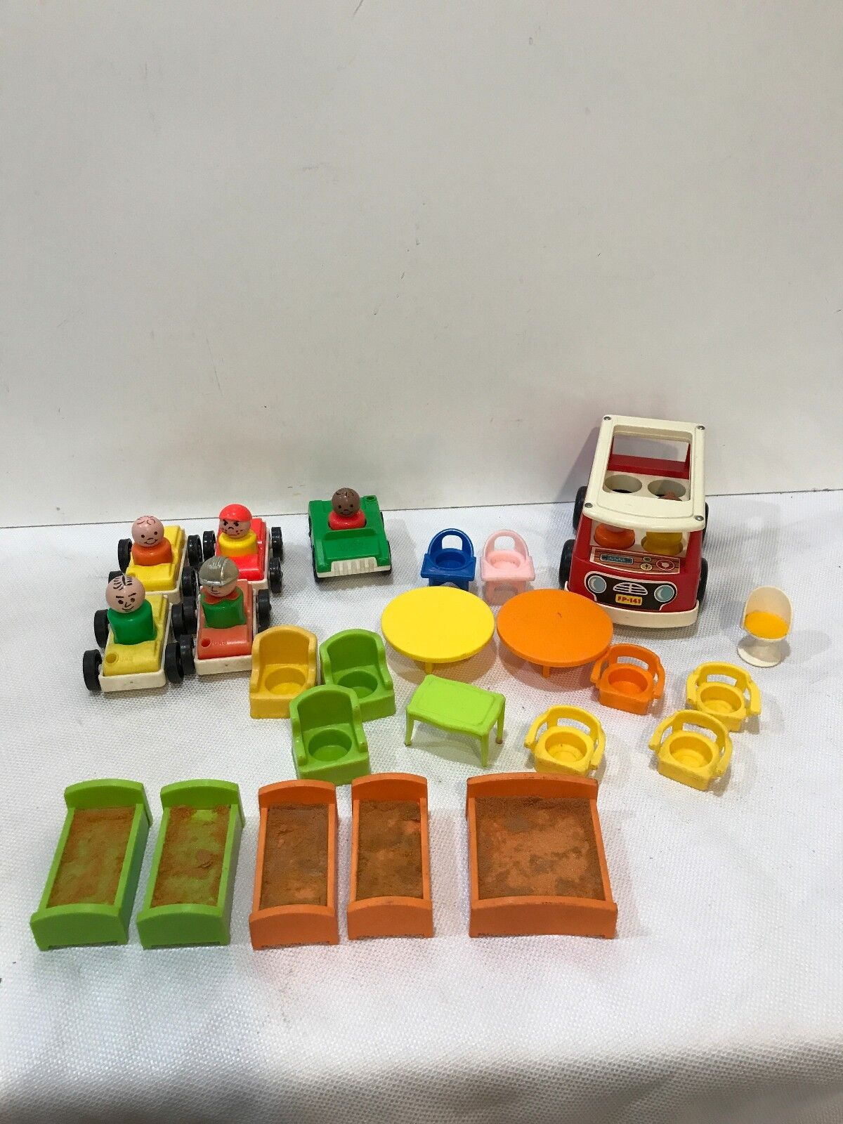 Vintage Fisher Price Little People Mini Bus Thrones Beds Tables Cars Chairs
