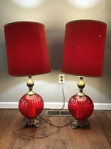 Vtg-EF-EF-Industries-RED-Glass-Table-Lamps-3-Way-Set-W-Shades-Pair-Lamp-Retro
