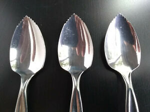 Vintage-Wm-Rogers-MGF-CO-Lot-of-3-Grapefruit-Spoons-Stainless-Steel-USA
