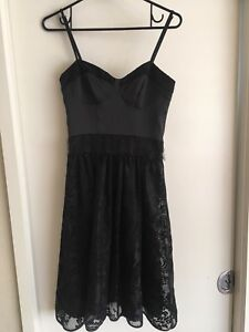 Ladies-Black-REVIEW-Dress-Size-6-Formal-Fitted-Classic-Lace