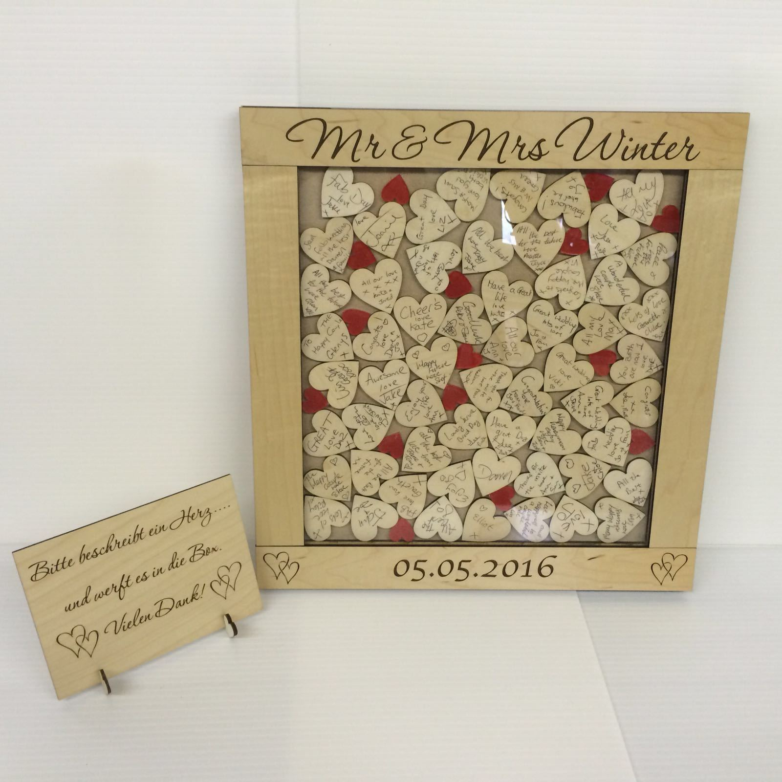 LUSSO Personalizzato Maplewood Rosso Drop Box Matrimonio Libro Degli Ospiti Ospiti Ospiti 56 CUORI REGALO 11989c