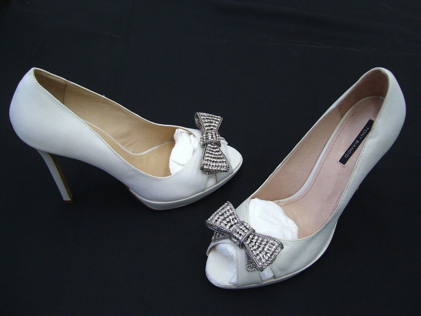 TONY BIANCO LADIES SHOES FORMAL DRESS WEDDING WORK HEELS IVORY GRETTEL SIZE 9.5