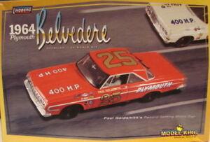Lindberg-11254-1964-Plymouth-Belvedere-Stock-Car-paul-Goldsmith-model-kit-1-25