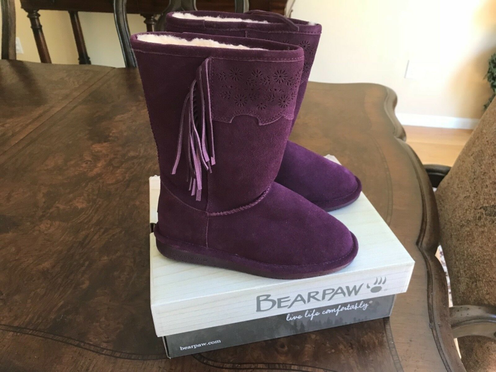 Bearpaw water resistant genuine sheep skin boots, size 7. 7. 7. Brand new with box 9bd196