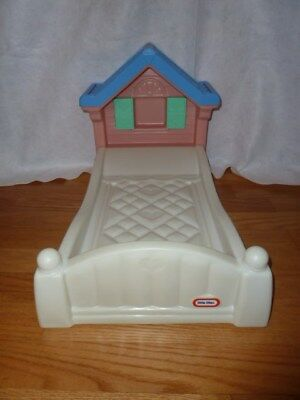 LITTLE TIKES COZY COTTAGE STORY BOOK BABY DOLL BED ...