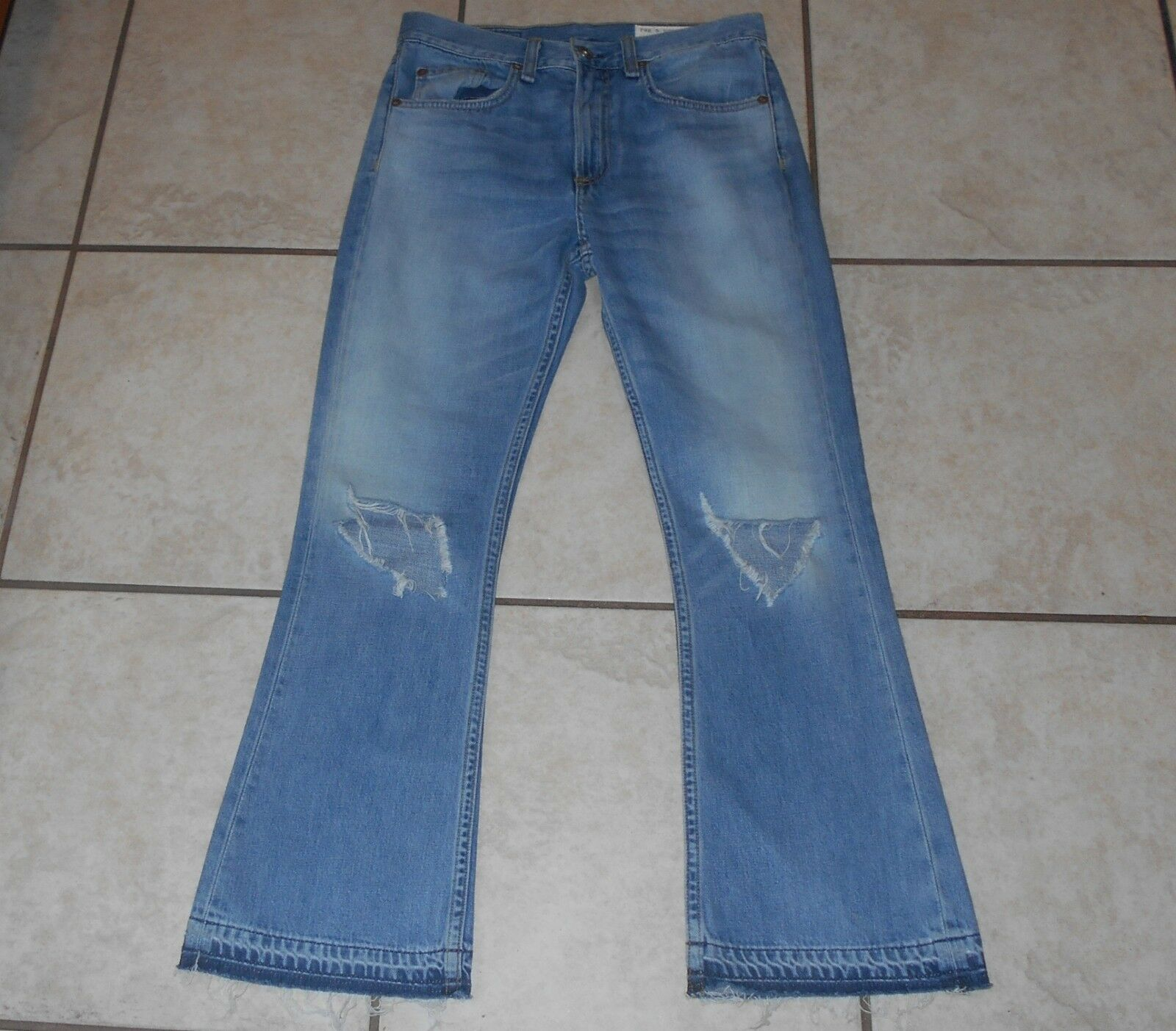 NWOT MISSES  24 X 26  RAG & BONE JEAN  MODELE   DESTROYED COTTON JEANS