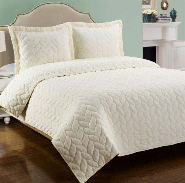 100% Cotton Braided Ashley Quilt & Pillow Shams Bedding Set