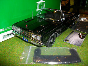 PLYMOUTH-BELVEDERE-GTX-CONVERTIBLE-au-1-18-GREENLIGHT-19007-voiture-miniature