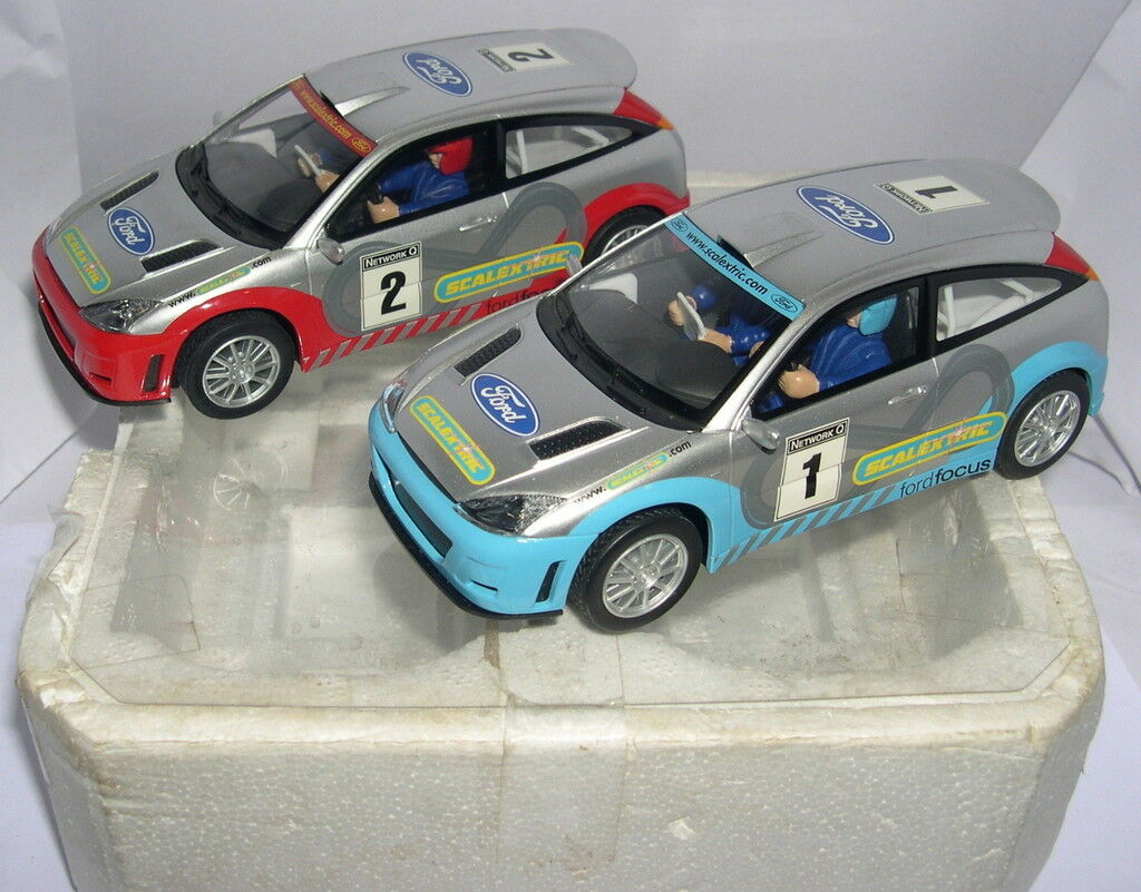 Scalextric C2405-C2406 Ford Focus WRC  1  2 Only Set C-1096L Unboxed MB
