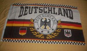 Deutschland-Lorbeerkranz-4-Sterne-Fan-Flagge-Fahne-Hissfahne-150-x-90-cm