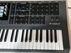 Mint Waldorf Quantum Hybrid Synthesizer