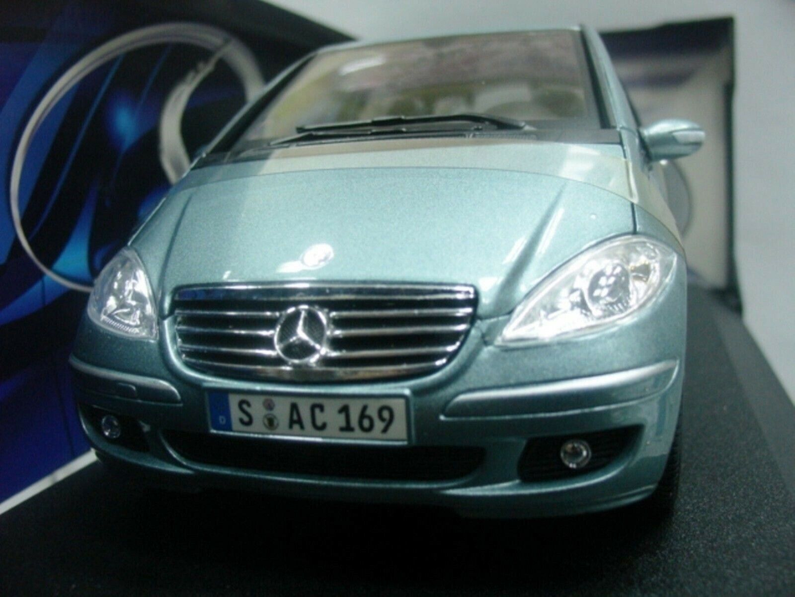 WOW EXTREMELY RARE Mercedes A-Class A170 Coupe SWB 2005 Green 31694 1 18 Maisto