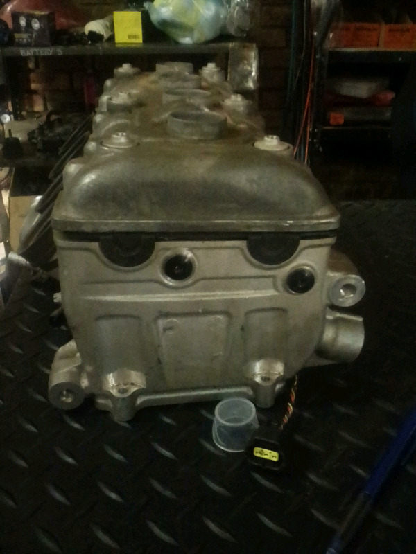 2014 BMW S1000r cylinder head for sale