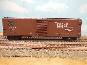 HO-SCALE-ATHEARN-SANTA-FE-CHIEF-WEST-SINGLE-DOOR-50-039-BOX-CAR-KIT-BUILT