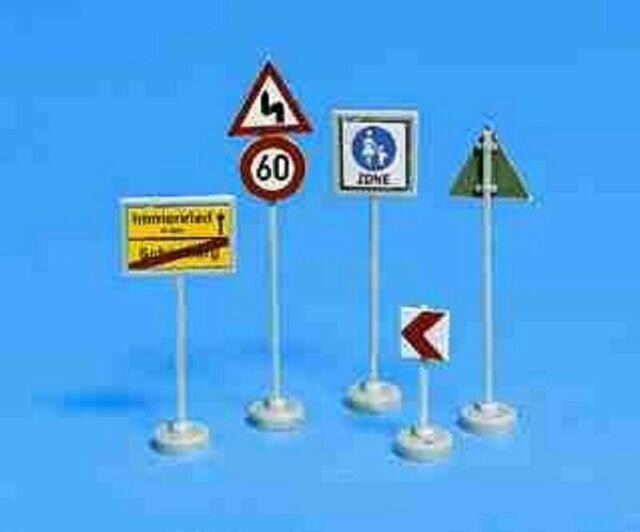 Noch 34121 Verkehrszeichen
