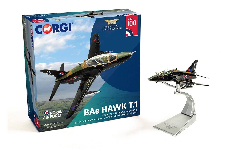CORGI AA36013 BAe Hawk T.1 XX246 95-Y RAF No.100 Esron, 95th Anniversaire S