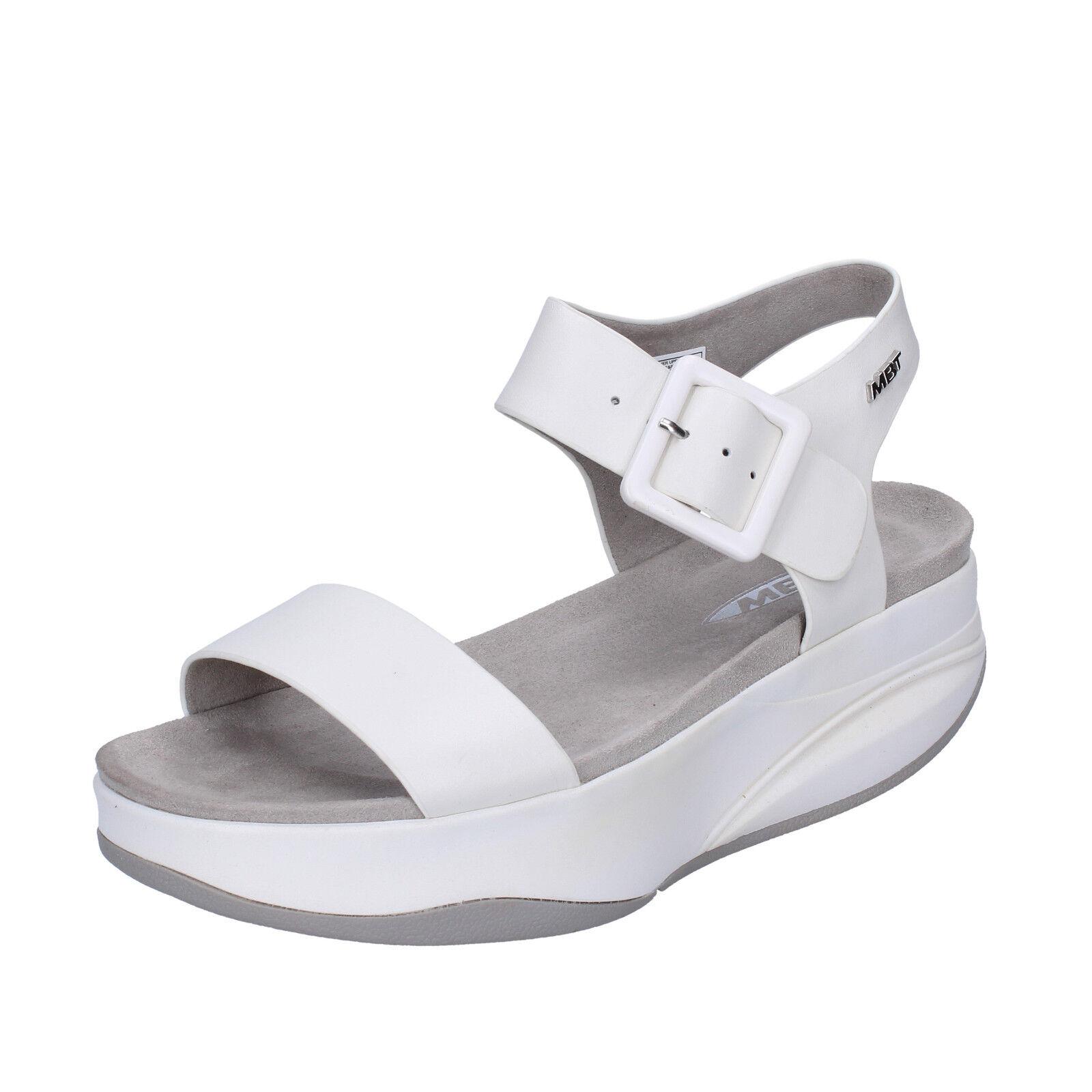 Femme Chaussures MBT Manni 7 (UE 41) Sandales en cuir blanc Performance BX884-41