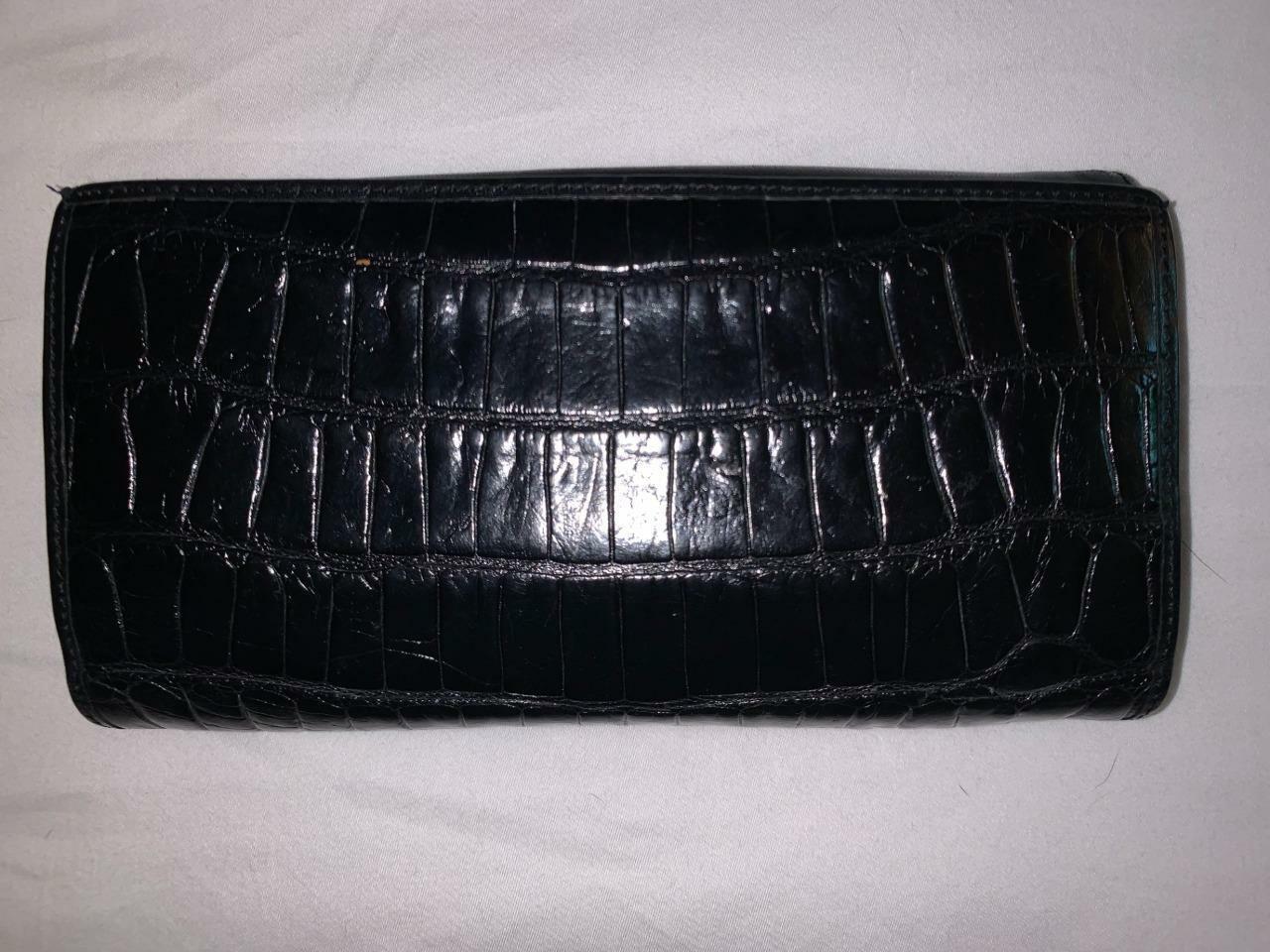 Paradox Women's Vintage Faux Alligator/Croc Black Leather Bi-Fold Wallet Clutch