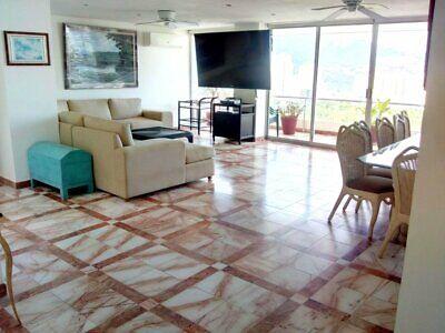 Venta penthouse en Club Deportivo 4 recámaras y terraza con vista al mar