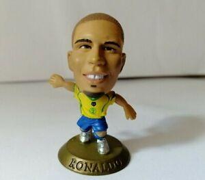 Ronaldo-Brazil-Corinthian-Microstar-Figure-GOLD-Base-MC5661