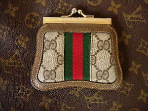 20828b4fca42 RARE Vintage GUCCI Brown GG Monogram Kisslock Coin Wallet Accessory ...