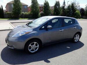 2015 Nissan Leaf SV model/ GPS/ dual charge port/ air condition.