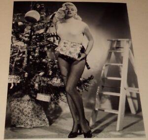 Diana Dors posing 8x10 photo